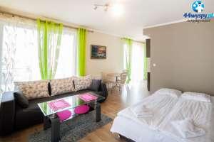 Ekskluzywny i przestronny apartament z tarasem blisko morza i plaży